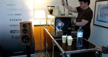 Schleicher macht Kaffee bei Bryston für die Kunden
