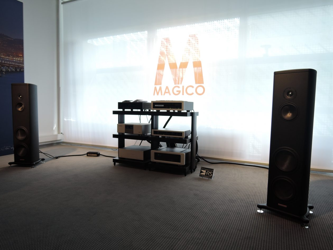 Verstärker Spectral DMC 30SC, DMA 240, SDR 4000SV, MIT & Magico S3 MK II