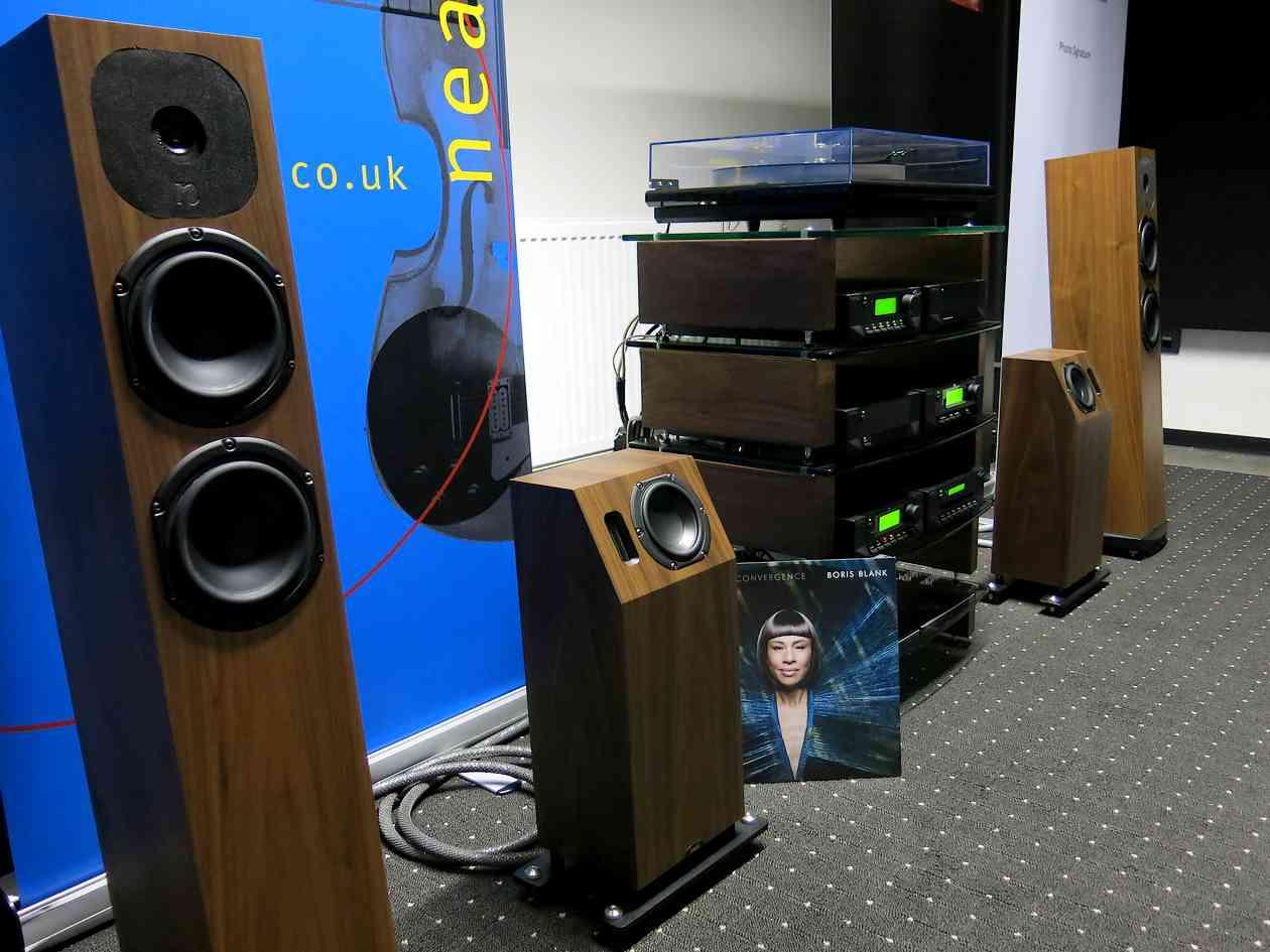 Cyrus HiFi, Neat Lautsprecher und Edwards Audio Plattenspieler