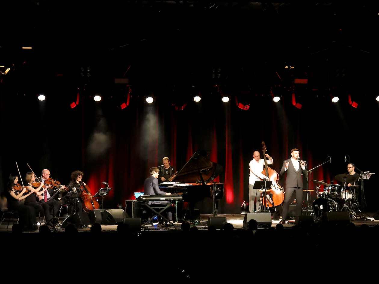 Max Mutzke und Joo Kraus in Ulm Roxy beim Konzert Joobiläum