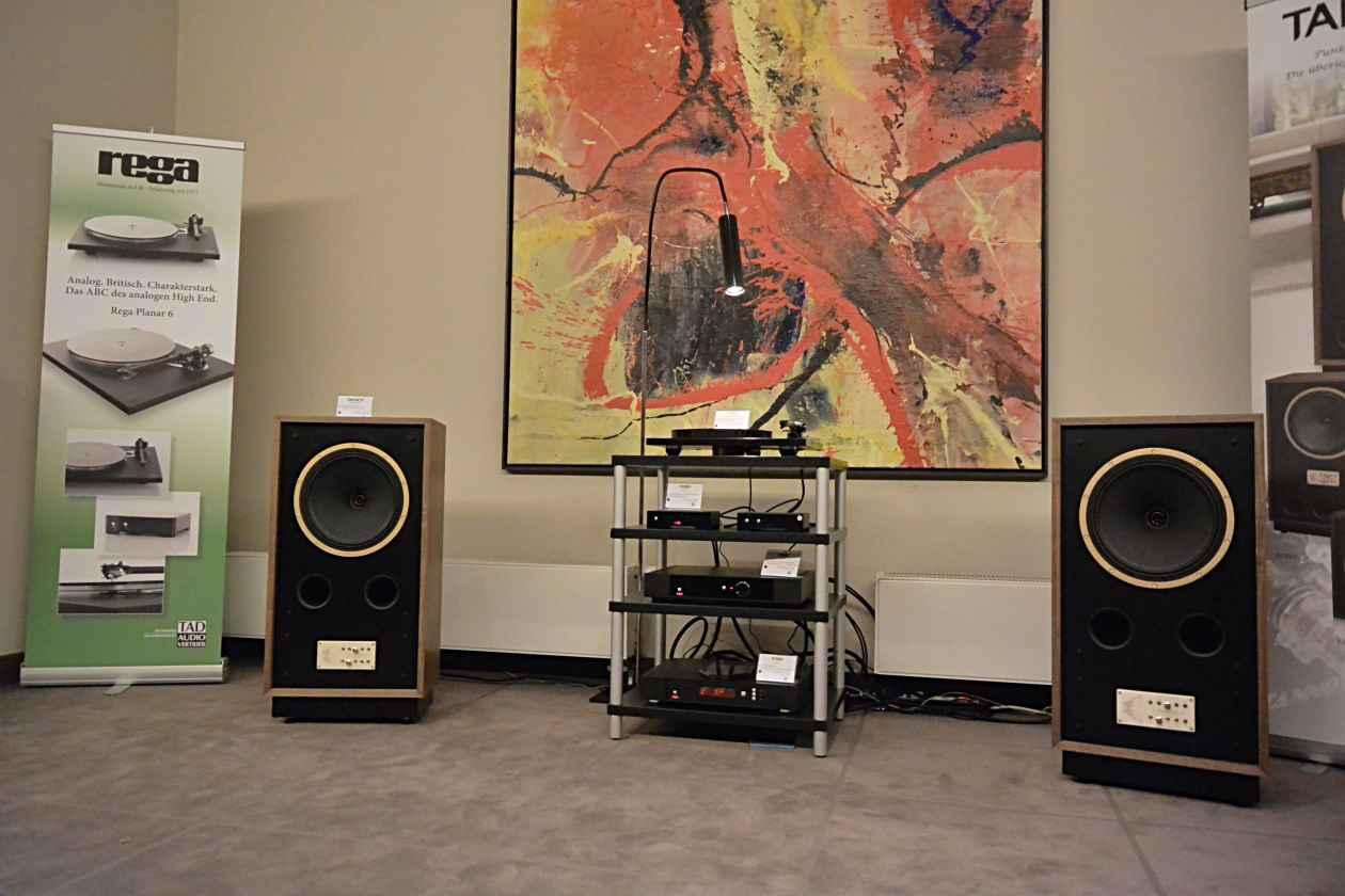 TAD Audio Vertrieb Tannoy Legacy Cheviot und Rega
