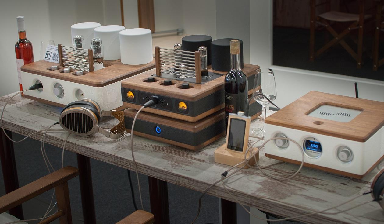 Auris HiFi-Geräte - Eleganter Materialmix