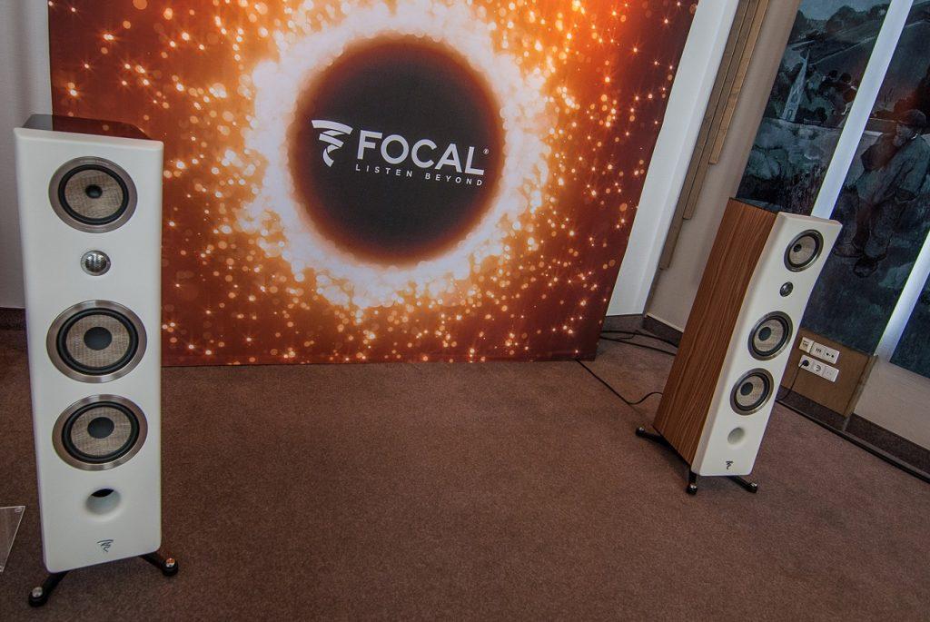 Die brandneue Focal Kanta No. 3 in der Vorführung.