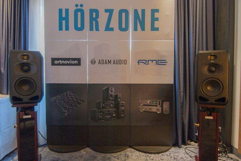 Aktive Studio Lautsprecher ADAM Audio S3V präsentiert vom Händler Hörzone