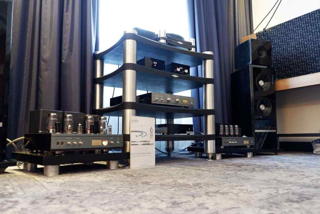 Airtight Röhren, Tone Tools Phono Laufwerk und Levin Design Lautsprecher