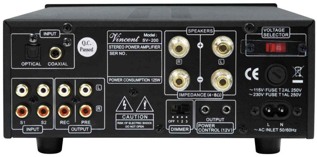 Die Rückseite des Röhren- und Transistor Vollverstärker Vincent SV 200