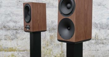 Buchardt Kompakt Lautsprecher S400 in Eiche