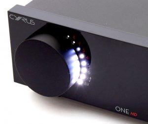 Lichtorgel im Cyrus ONE HD Vollverstärker