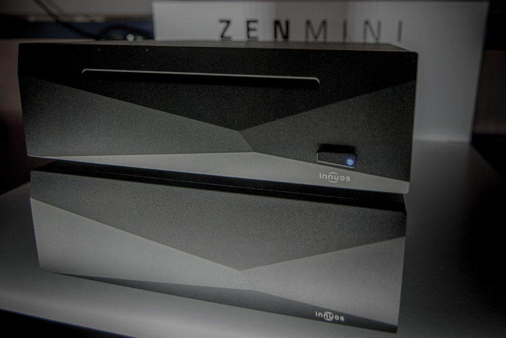 Doppelt facettiert hält besser: Innuos ZEN mini mit Netzteil