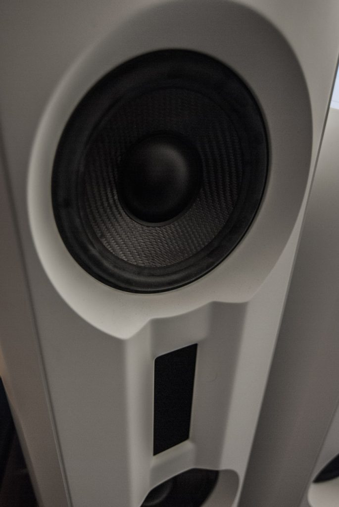 Aufwändige Schallwand bei der BM Prime 14