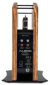 Kopfhörer-Verstärker Auris Euterpe mit D/A-Wandler. Hier die Anschlüsse mit Cinch und USB-B