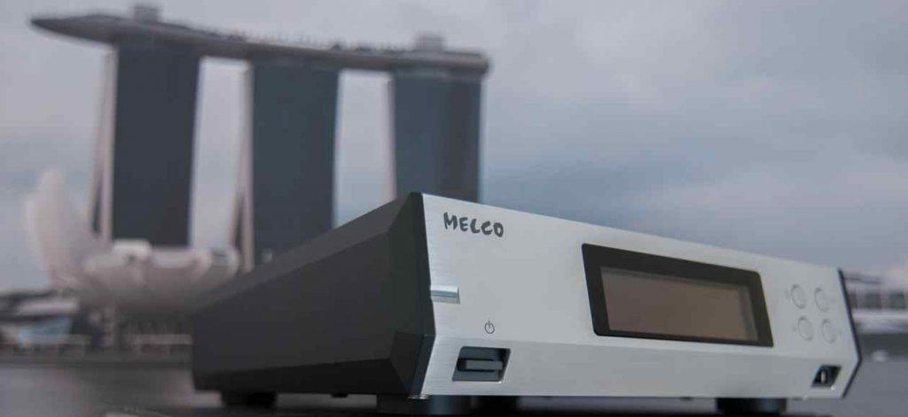 MELCO Musik-Server N100 mit satt clickendem Netzschalter an der Front