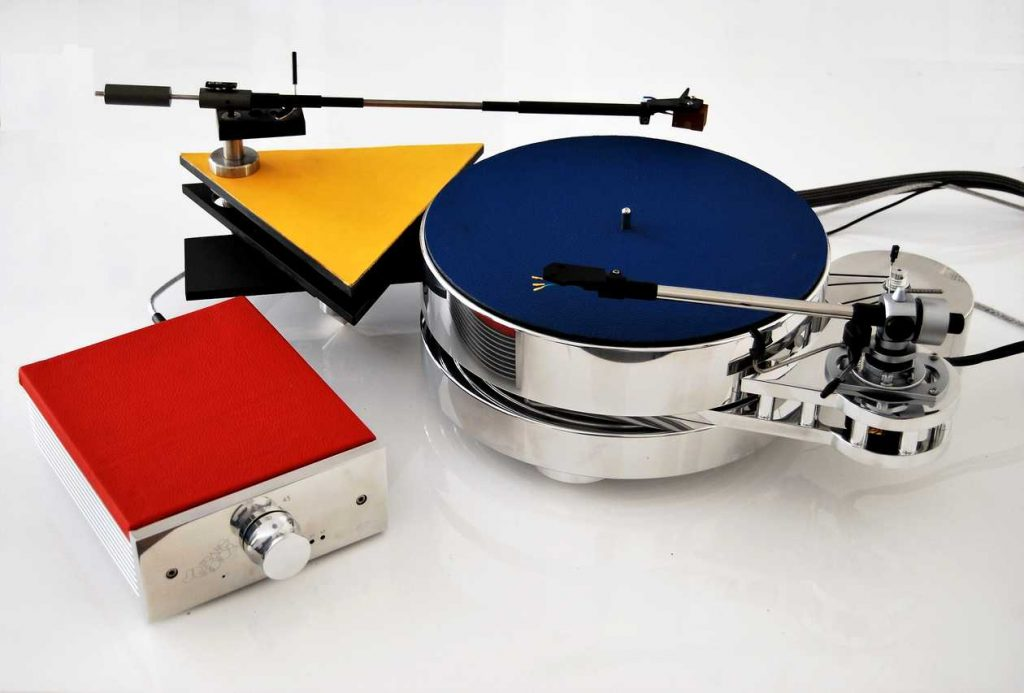 Levin Design mit Transrotor Fat Bob