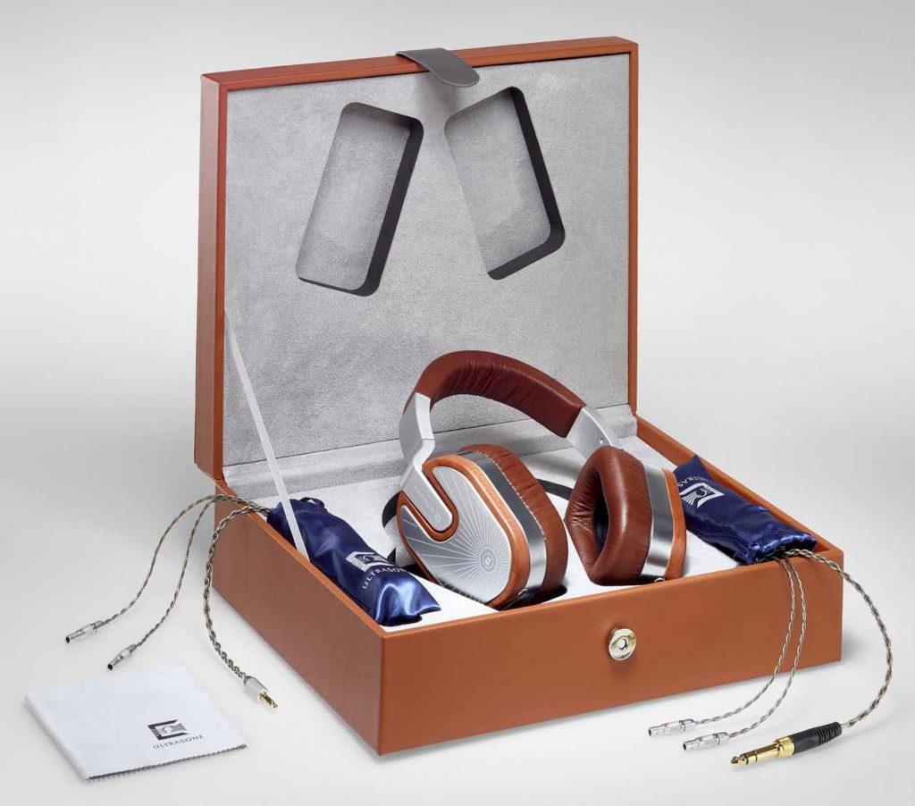 Ultrasone 15 Veritas in the box