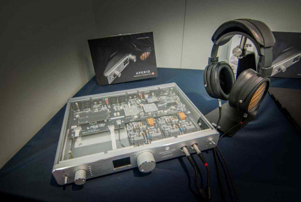 Elektrostatischer Kopfhörer Sonoma Model One mit Warwick APERIO