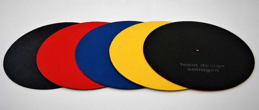 levin design Plattentellerauflage in rot, gelb, blau und schwarz