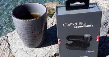 Cyrus soundBuds mobile Bluetooth-Kopfhörer im Urlaub