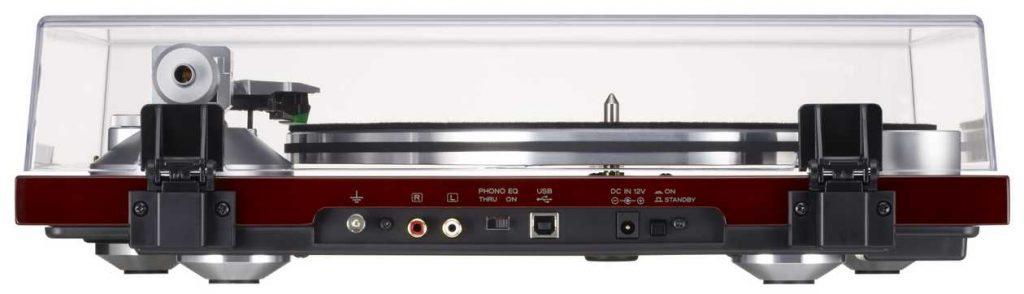 TEAC TN 3B Plattenspieler. Im Bild der USB-Ausgang