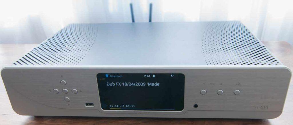 Netzwerkspieler und Vorverstärker ATOLL ST200 Signature Display