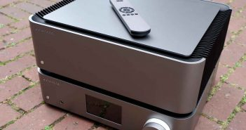 Im Test der High End Netzwerkplayer Cambridge Audio NQ sowie der High End Endverstärker Cambridge Audio W