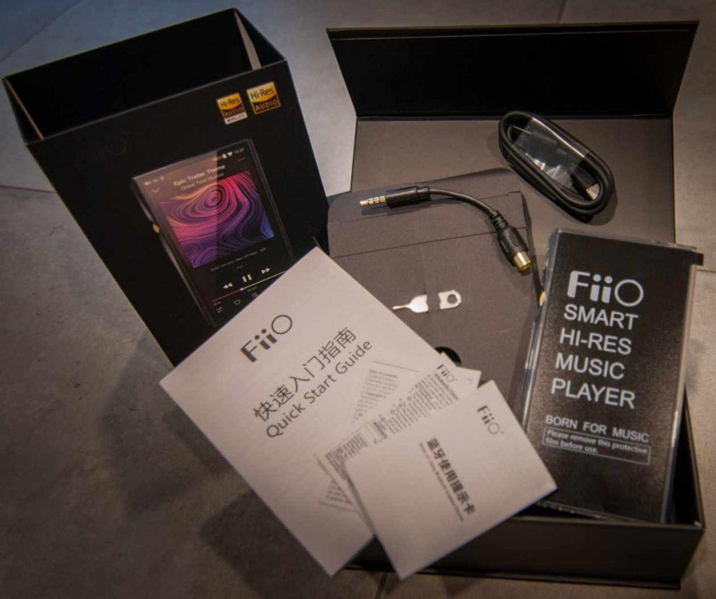 Box-Inhalt des Hi-Res Musik-Spielers Fiio M11