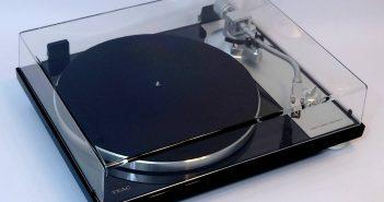 Im Test der Plattenspieler TEAC TN-4D mit Direktantrieb