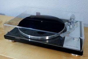 Plattenspieler mit Direktantrieb, Phono Verstärker und A/D-Wandler: TEAC TN-4D