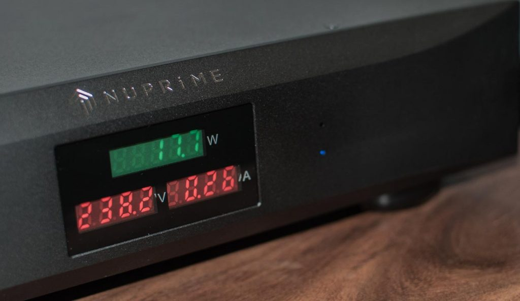 NuPrime-Pure-AC-4-Power-Conditioner-Display
