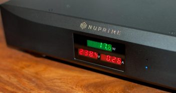 Test-NuPrime-Pure-AC-4-Power-Conditioner-Display