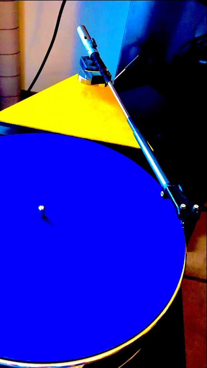 Plattenspieler Transistor Fat Bob mit Levin Tonarm und Levin Sandwich Plattentellermatte