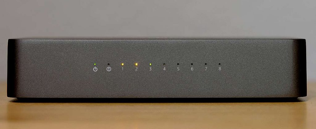 HiFi-Switch NuPrime SW-8 im Test. Hier im Bild die Frontseite.