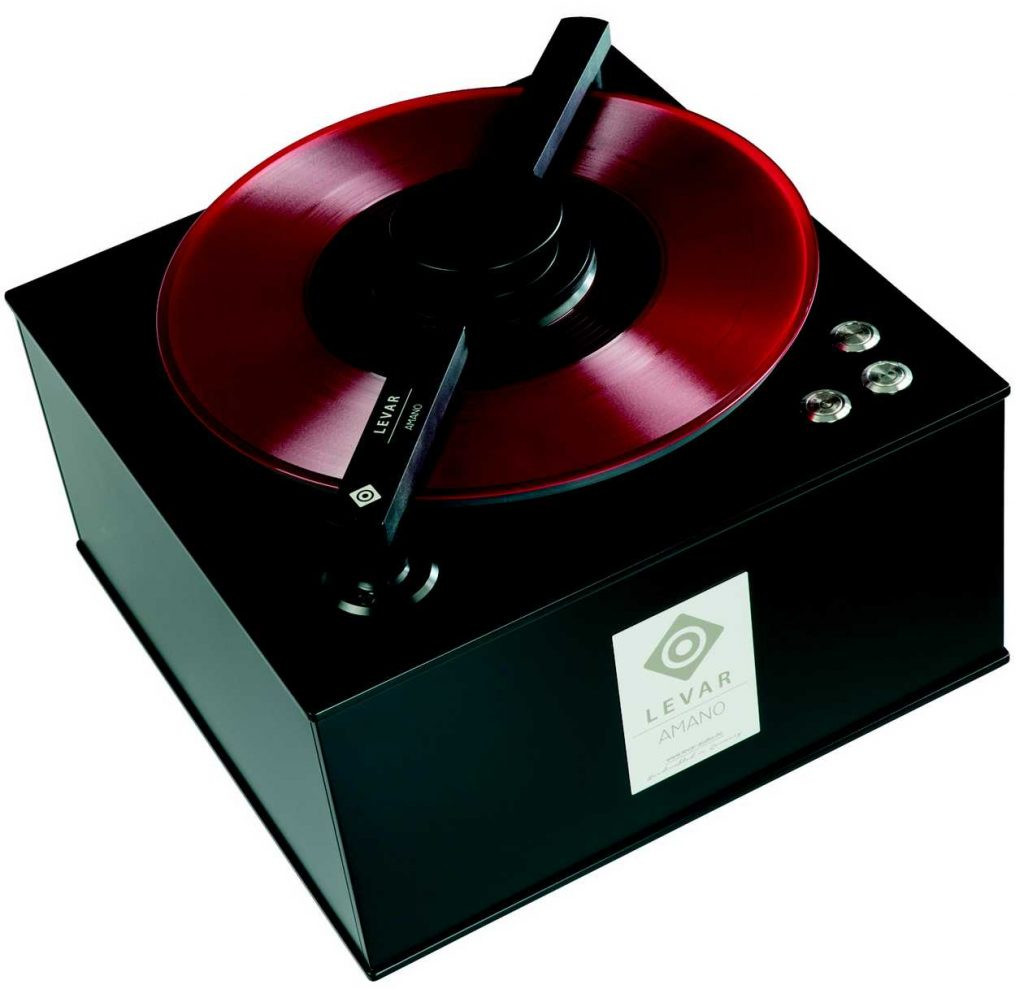 Im Bild die neue preisgünstige Platten-Waschmaschine LEVAR AMANO