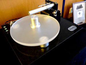 Plattenspieler Pre-Audio DE 1800 mit Tangential Tonarm