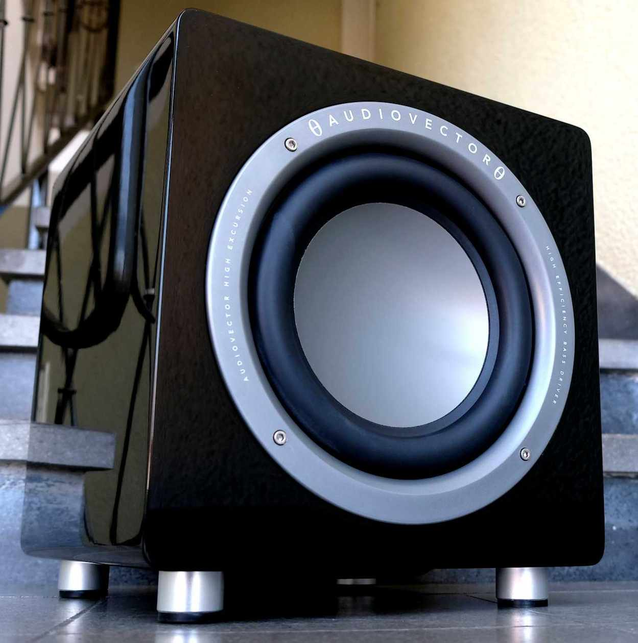 Im Test der Subwoofer Audiovector QR SUB in der Preisklasse im 1.000 Euro