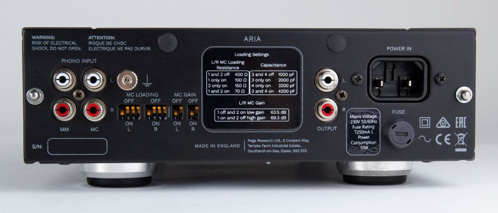 Cinch-Anschlüsse des Plattenspieler-Vorverstärker Rega Aria MK. III