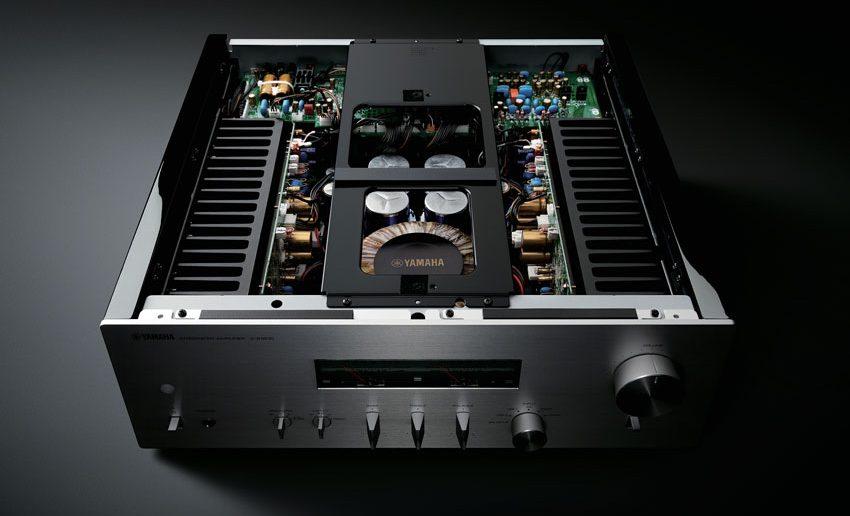 Yamaha A S 32ü0