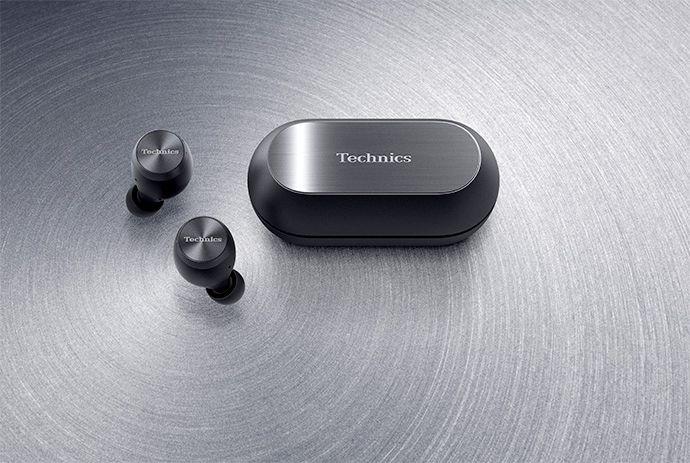 Im Bild der neue True Wireless Kopfhörer Technics AZ70W