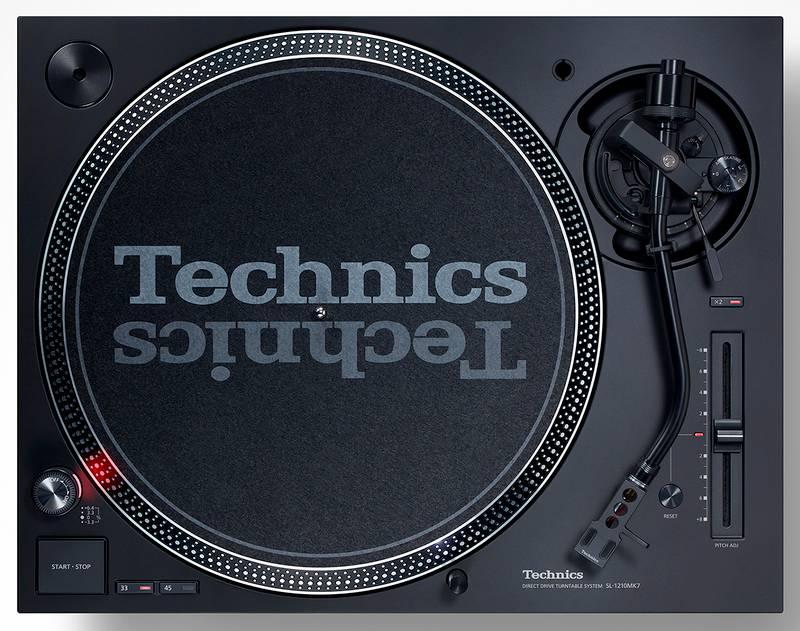 Die Draufsicht des Plattenspieler Technics 120 MK7
