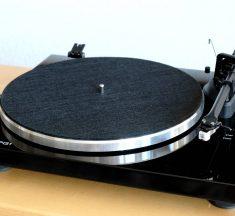 Test: Blue Aura Blackline PG1 – Plattenspieler mit A/D-Wandler & Bluetooth um 400 Euro