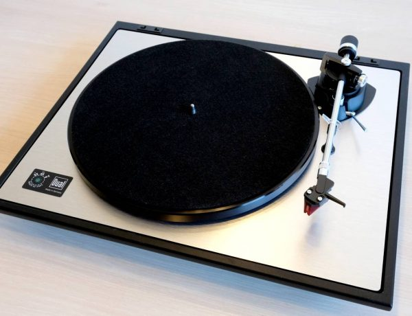 Test: Dual CS 800 – Plattenspieler mit Ortofon 2M Red