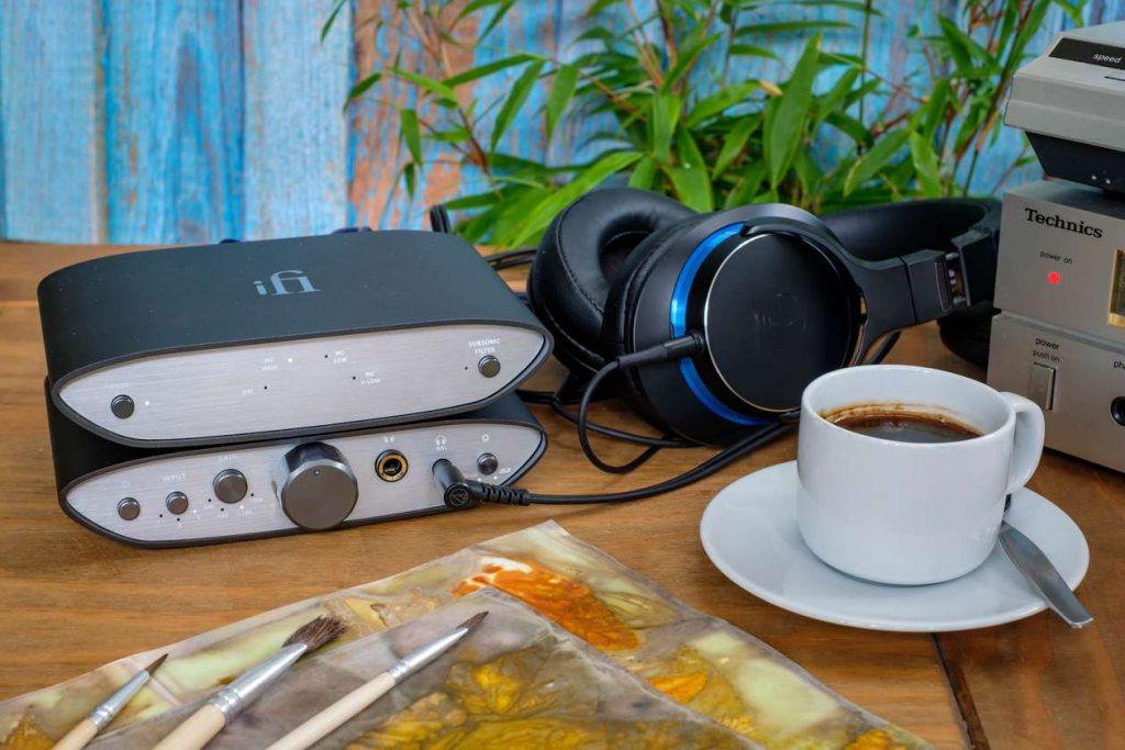 Im Bild der neue günstige MM- und MC Phono Vorverstärker ifi ZEN