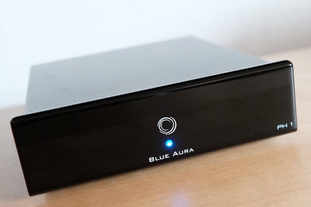 Im Bild der HiFi Phono Vollverstärker Blue Aura PH1 mit MM und MC