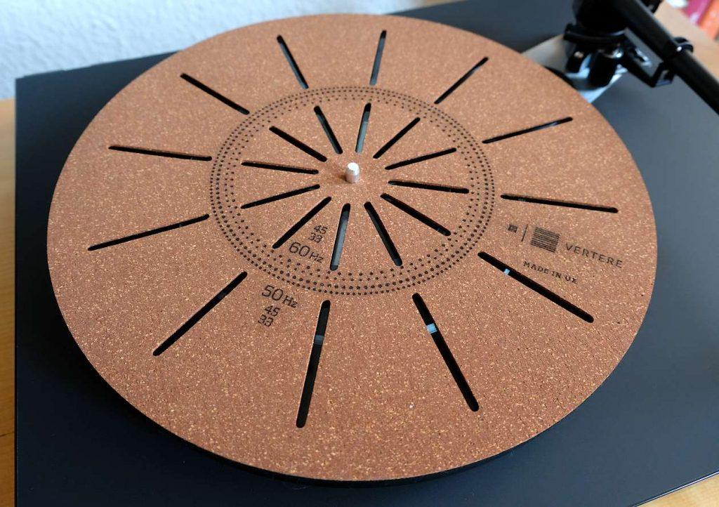 Im Test die Plattentellerauflage Vertere Techno Mat aus Filz und Kork