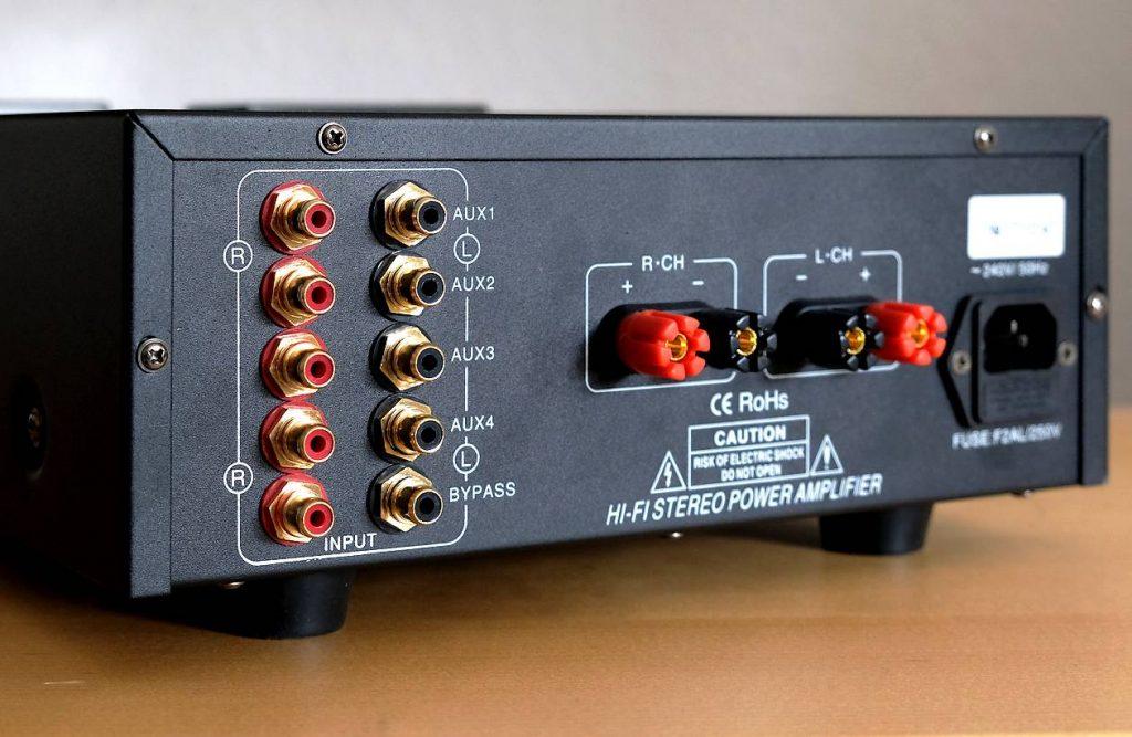 Die Cinch-Anschlüsse des Röhren-Hybrid Vollverstärker Pier Audio MS-480 SE