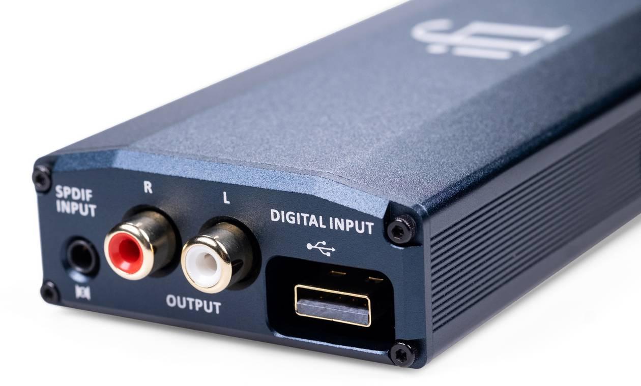 Der USB und die Cinchanschlüsse am neuen Kopfhörer-Verstärker mit DAC: ifi audio micro idsd