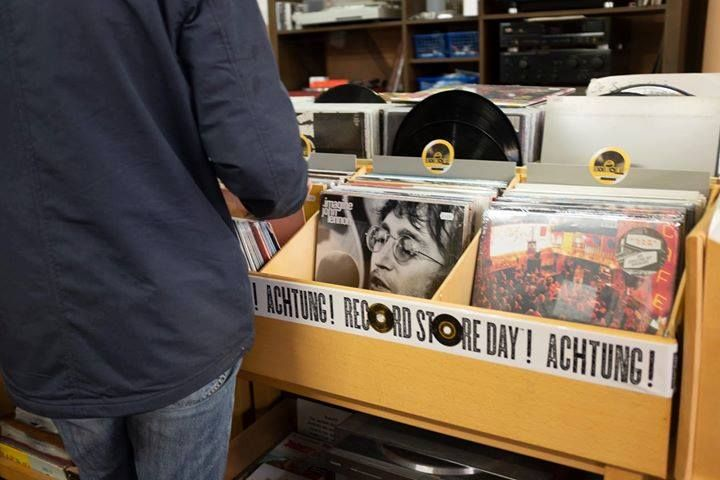 Langspielplatten-Kiste auf den Record Store Day
