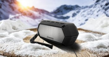 Kabellosder Bluetooth-Lautsprecher Soundcast VG 1 im Winter