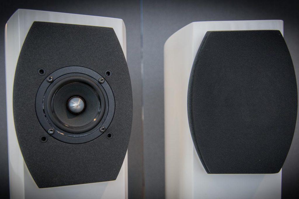 AUDIUM-Comp-5-2-AIR-mit-und-ohne-Abdeckung