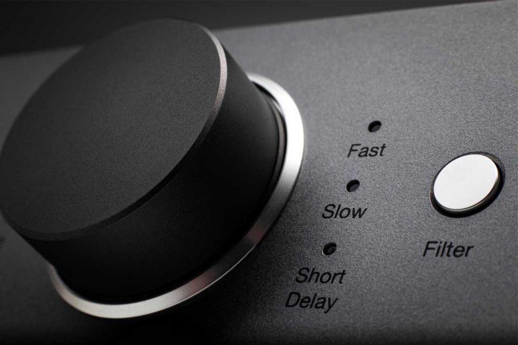 Lautstärke-Regler am Kopfhörer-Verstärker Cambridge Audio Dac Magic 200