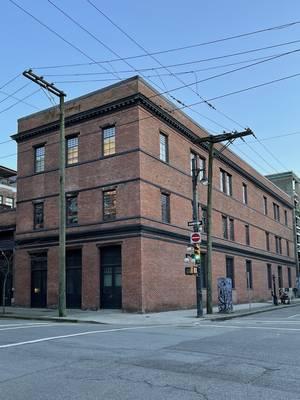 Die Fassade des Warehouse Tonstudio